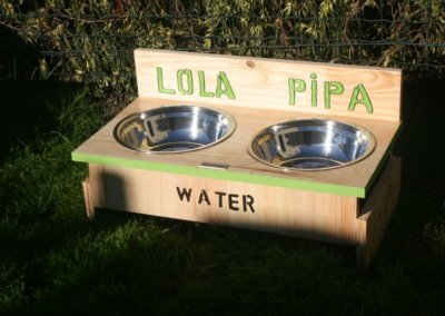 COMEDERO PIPA Y LOLA 3