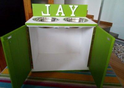 COMEDERO JAY 13